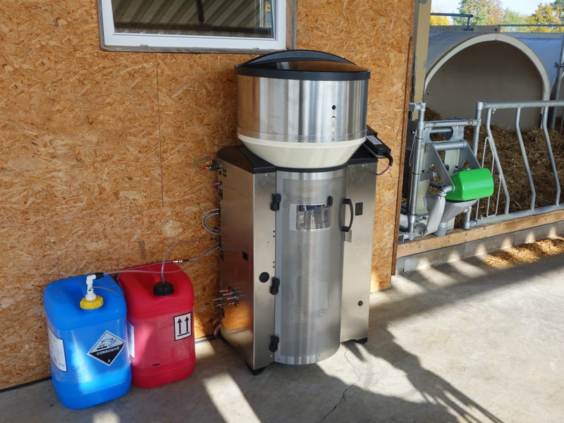 Tränkeautomat VARIO smart für Kälber | Förster-Technik